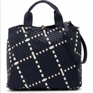 Deux lux barrow tote navy ivory